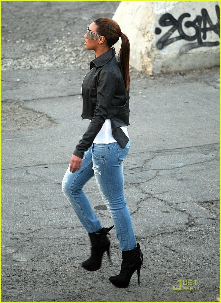 """Beyonce steps out in a pair of Jimmy Choo """"Piccolo"""" shoes as she films the music video for her new single, """"Diva"""", in downtown Los Angeles on Saturday afternoon. Description from justjared.com. I searched for this on bing.com/images"""
