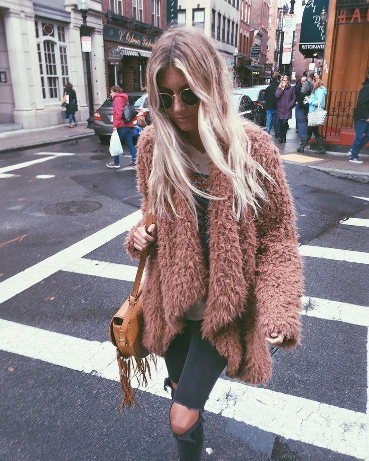 ☆ @iolandapujol by Halley Elefante (@the_salty_blonde)