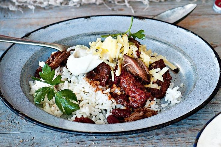 Katie Quinn Davies gives classic chilli con carne a Mexican twist in this delicious dinner party idea.