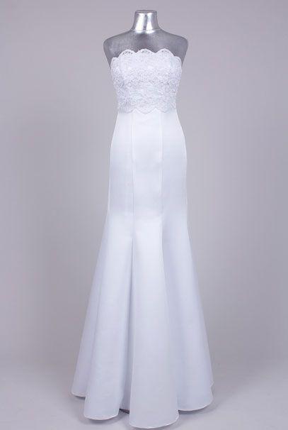 Прямые свадебные платья с кружевным лифом