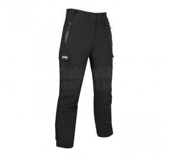 Wysokiej jakości spodnie softshellowe typu bojówki firmy Magnum.  Niezwykle lekkie spodnie Troy zostały uszyte z tkaniny posiadającej wysokie właściwości szybkoschnące. Zastosowanie membrany Tecproof 10 000 zapewnia przy wodoodporności maksymalną oddychalność.