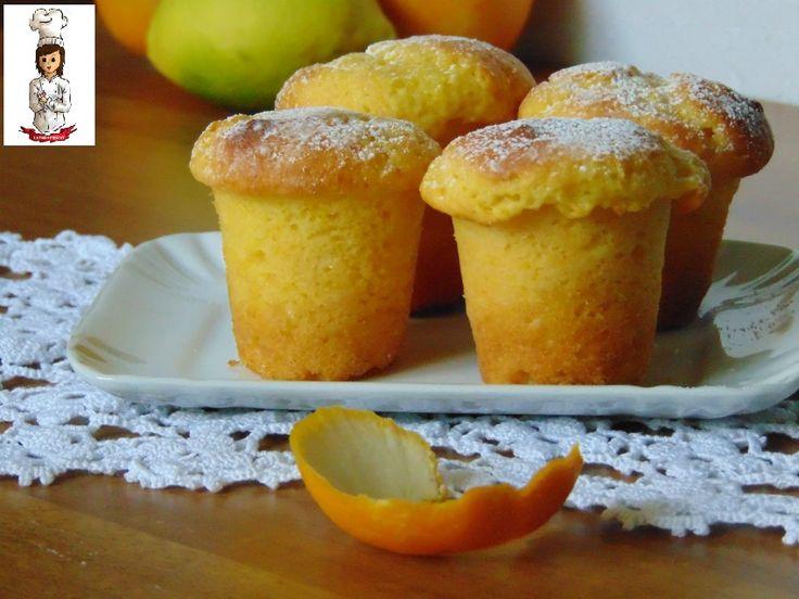 """I muffin pardula,sono una rivisitazione di un dolce tipico sardo chiamato appunto """"pardule"""". Quest' idea l' ho avuta perchè di solito faccio il dolce tradi"""