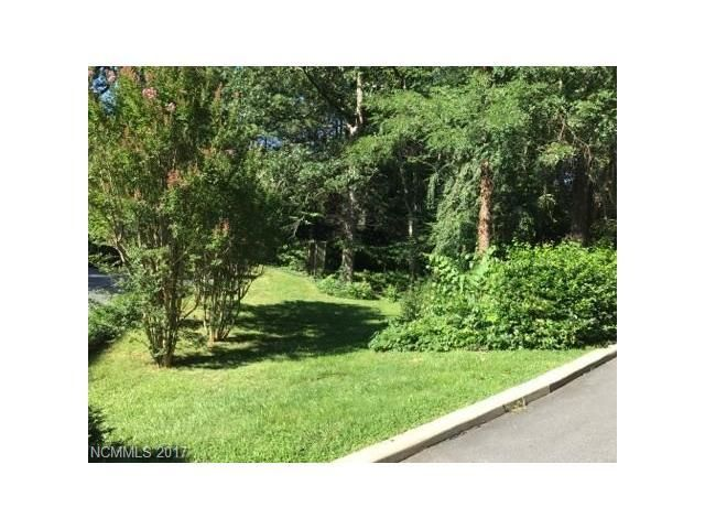 ⭐ ⭐⭐JUST LISTED! Buildable lot in desirable Lakeshore area in Asheville⭐ ⭐⭐ Call us today to schedule a showing, 828-771-2300, #avlrealty #realestate #buy #pufferproperties