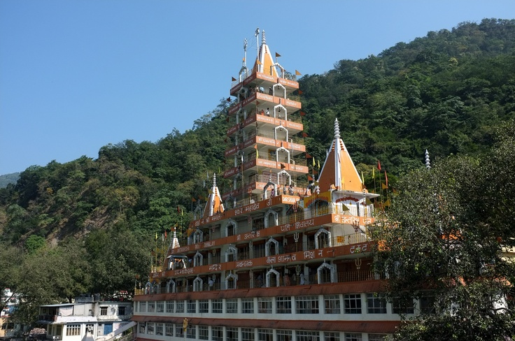 Tera Manzil Temple, Rishikesh. Like and Re-pin your favorite pins. Get great deals for you trip to Rishikesh only on www.tripcrafters.com (Pic by by flickr user Aleksandr Zykov) #Rishikesh | #Temple | #India