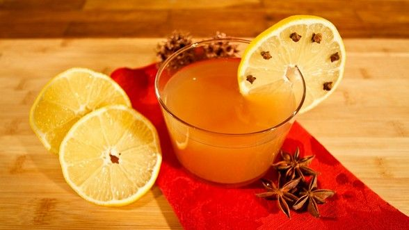 The Food Explorer's Favorite 50+ Alcoholic & Non-Alcoholic Christmas Punch Recipes: Spiced Apple Punch for Christmas from Ligia's Kitchen