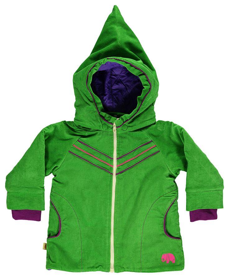 Mooie, warme winterjas van Albababy. Toffe groene kleur en met paars en fuchsia details en natuurlijk de populaire pinnemuts.