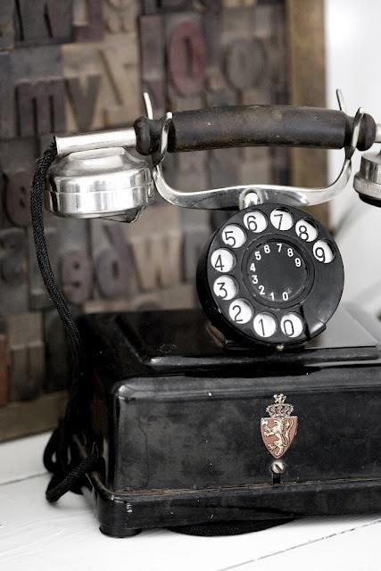 British Dial Phone....Set up for easy access to 999, the historic emergency number for the United Kingdom, but calls are also accepted on the European Union emergency number, 112. A comprehensive detailing of usage, historic problems, countries where 999 is used, etc. can be found on: https://en.wikipedia.org/wiki/999_(emergency_telephone_number)