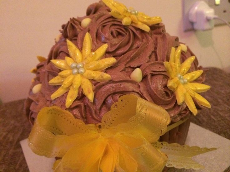 Flower Mocha Giant Cupcake