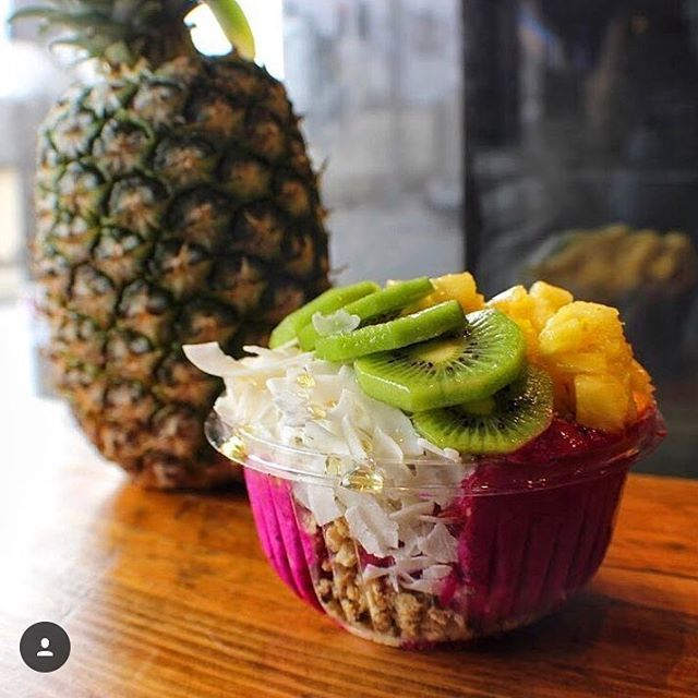 Have you tried our E L E C T R I C MERMAID Pitaya Bowl?! It's everything you could want in a Bowl and is perfect to gram! Tag us in your best electric mermaid Bowl pic for a chance to win a free bowl ‍♀️⚡️‍♀️⚡️‍♀️ #electricmermaid #straighouttabelmar #njoriginalacaishop #gobowlsdeep #welcometopineappleland #pitaya #gram ‍♀️