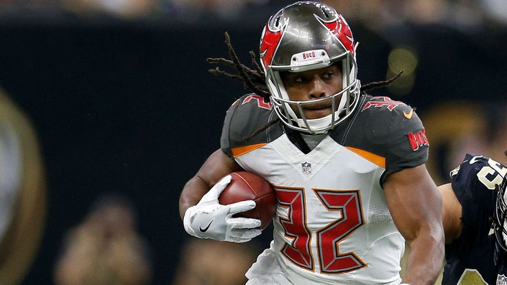 Bucs 'hoping' Jacquizz Rodgers will start while Doug Martin serves suspension, report says
