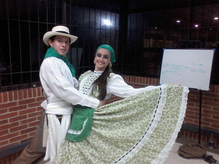 Folclor con la San Buenaventura!