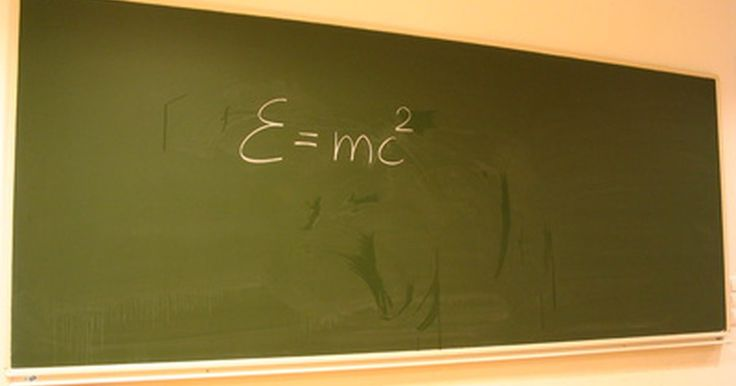 Inventos famosos de Albert Einstein. El físico más influyente del siglo 20, Albert Einstein, hizo numerosas contribuciones basándose en sus teorías que han beneficiado al mundo. Aunque no era un inventor de profesión, Einstein inventó un refrigerador que funcionaba sin electricidad. Puede que sea adaptable a una versión ecológica 70 años después de que él lo inventara. Muchos de los ...
