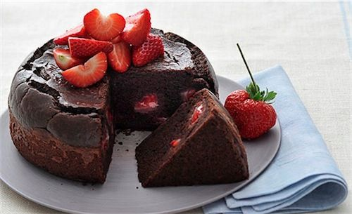 torta cioccolato e fragole con maionese calvè