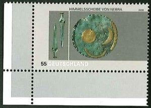 Die Himmelsscheibe von Nebra ist in Halle/Saale ausgestellt, MiNr. 2695.