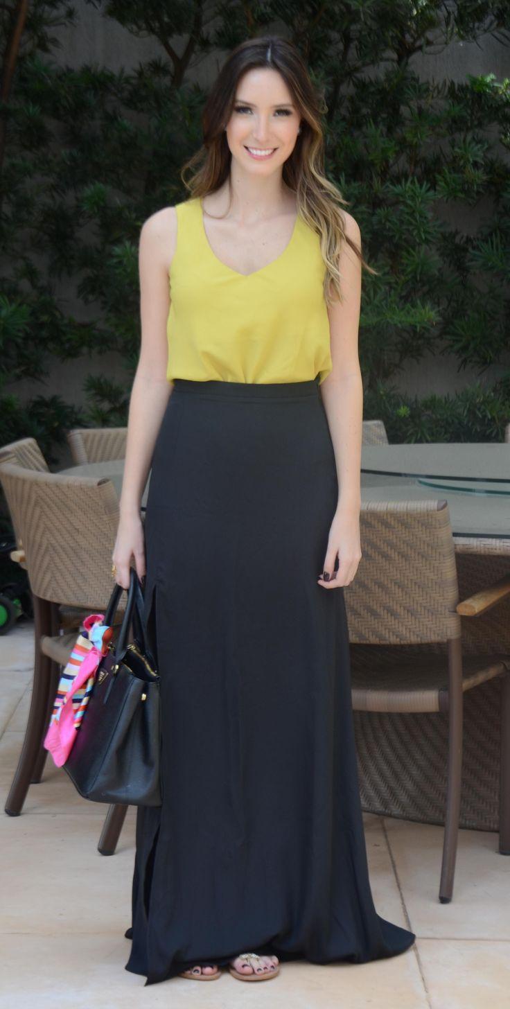 A saia longa é básica, elegante e atemporal, mas como todas as peças, exige cuidados para não errar no look!