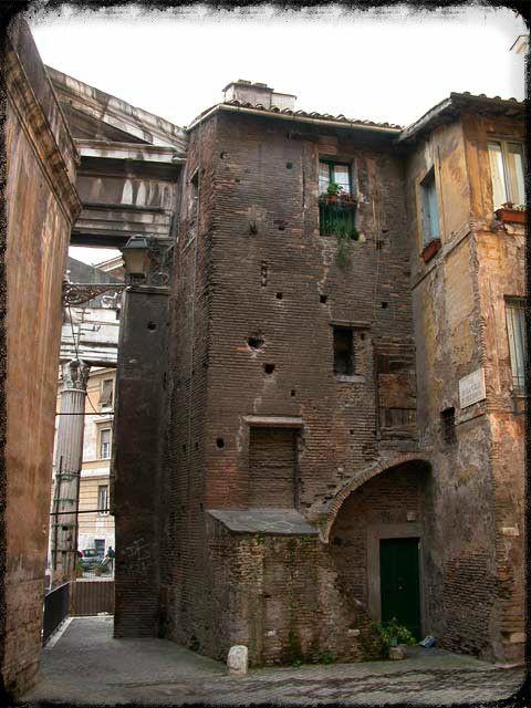 La chiesa di Sant'Angelo in Pescheria - Ghetto - Roma