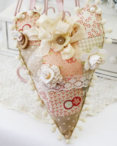 patchworkLace Heart, Pretty Pincushions, Hanging Hearts, Fabrics Heart, Heart Ii, Patchwork Heart, Heart Patchwork, Melissa Phillip, Patchwork Ideas