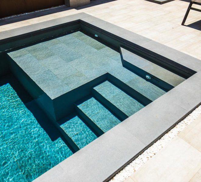 Cosntrucción De Escalera De Obra En Piscina Pequeñas Piscinas Piscinas Modernas Casas Con Piscina