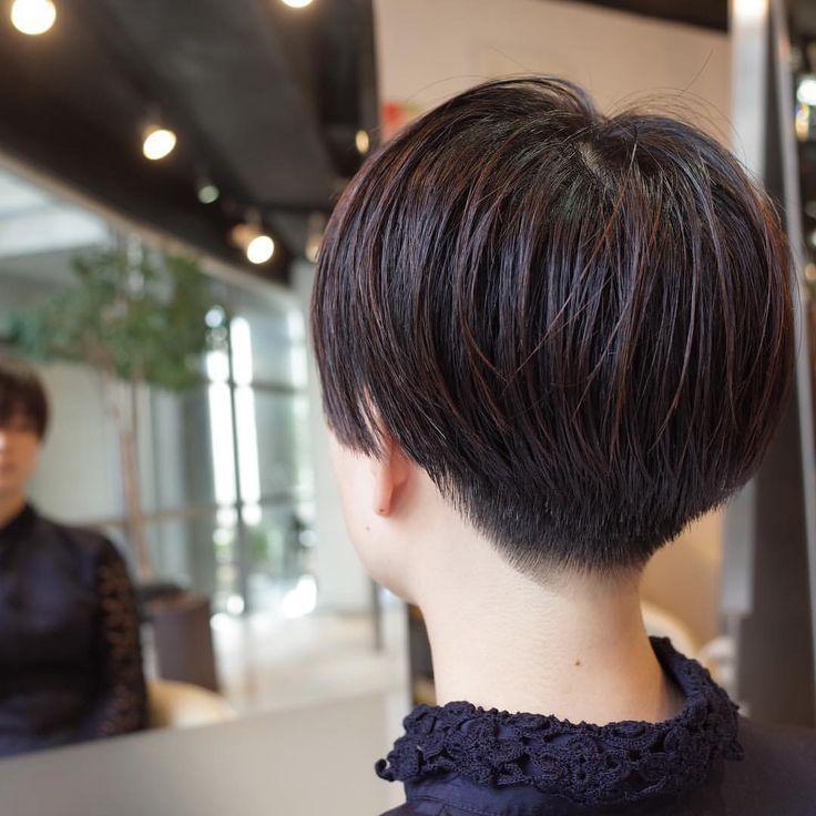 お客様スナップ いきなりバリカンは使わない。 ハサミで柔らかく、グラデーションをつけながら施す。 cut by @s.kagara #美容室 #カガラシュン #髪型 #ショート #ボブ #髪色 #カ - s.kagara