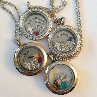 For Sisters or your 4 Bridesmaides... by South Hill Designs http://www.SouthHillDesigns.com/mystoryinalocket