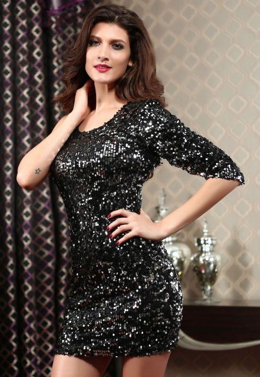 Zwart pailletten jurkje met een lange mouw