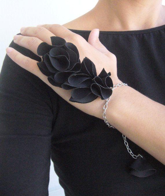 Hand chain floral/hand chain gothic/black slave by SonizDesign