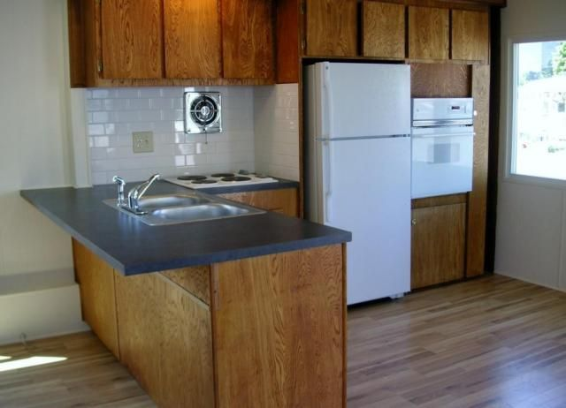 Updated kitchen in vintage single wide cool mobile home - Mobihome muebles ...