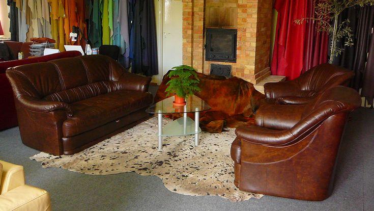 A Sopron bőr ülőgarnitúrák ötvözik a maximális kényelmet, és az exkluzív megjelenést, hogy ékes dísze lehessen nappalijának.