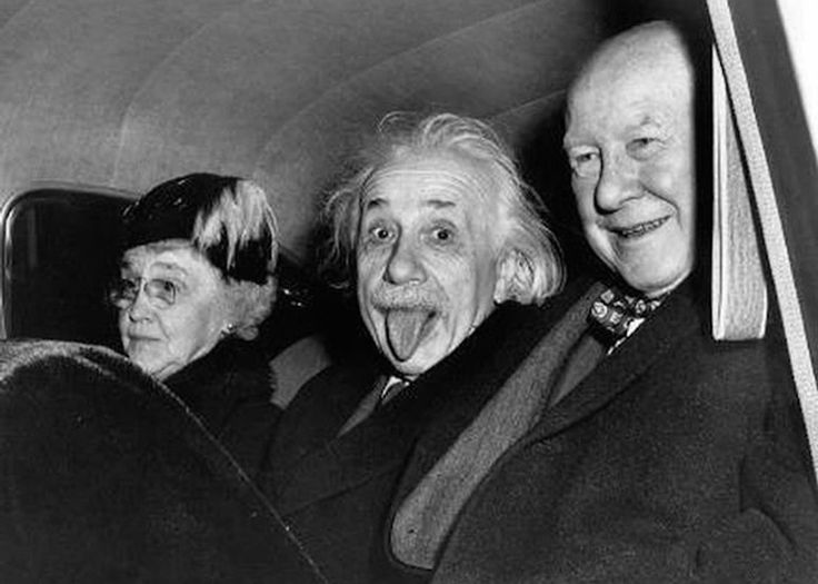 A imagem original foi clicada dentro de um carro com a presença do diretor do Institute for Advanced Study e sua esposa, além de Einstein - Foto: Arthur Sasse/ United Press