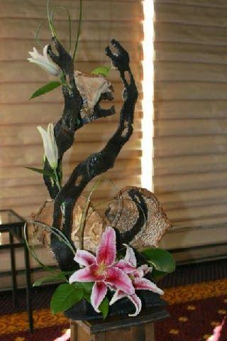 New Garden Club Journal. Duo floral design #flower arrangement