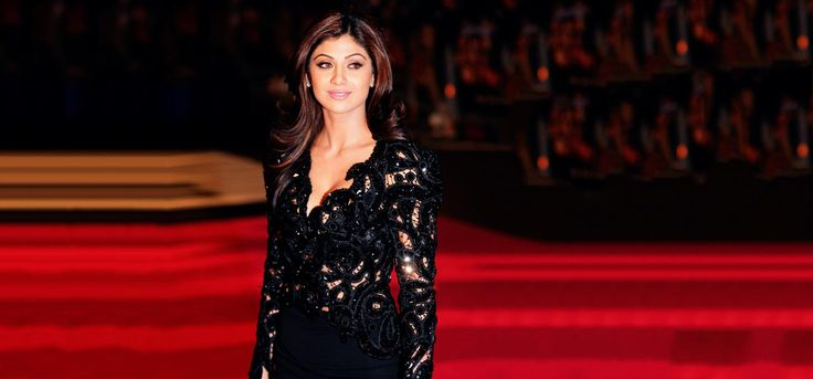 here are the top 10 Shilpa Shetty yoga videos for a wholesome workout routine to stay in shape and healthy. You can now look all glamour and you don't even need to go to a gym!