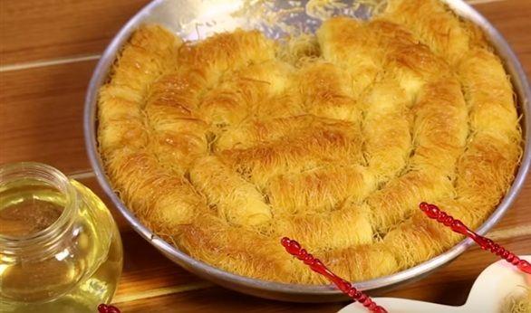 Τυποπιτάκια... το απόλυτο αγαπημένο σνακ μικρών και μεγάλων. Με ότι φύλλο και γέμιση και αν το φτιάξετε μέσα από μια πληθώρα συνταγών, πάντα θα είναι ένα