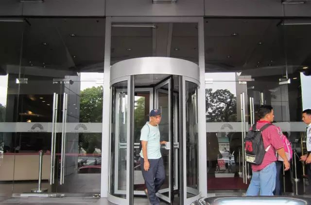 revolving door-The international project of KBB automatic doors