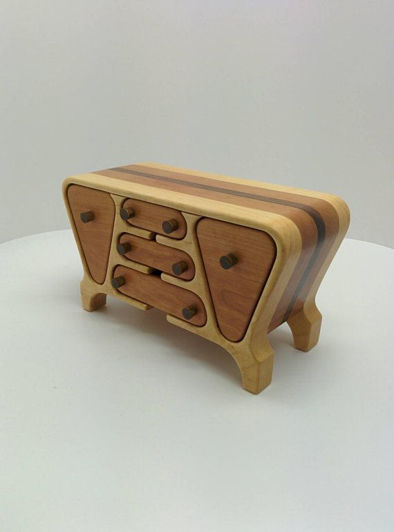 HANDMADE JEWELRY BOX with a retro look  bandsaw box  by RoysBox