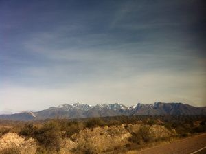 Beautiful landscape between Mendoza and Santiago.  Chile// Travel// Backpacking// Tips// Things to do