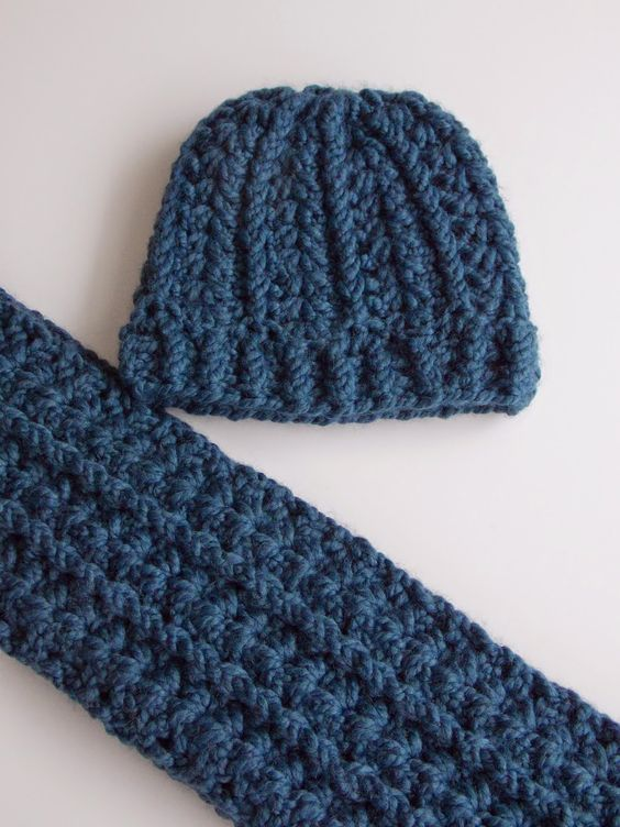 Muts en col (met link naar gratis patronen) hat and cowl (with link to free patterns)