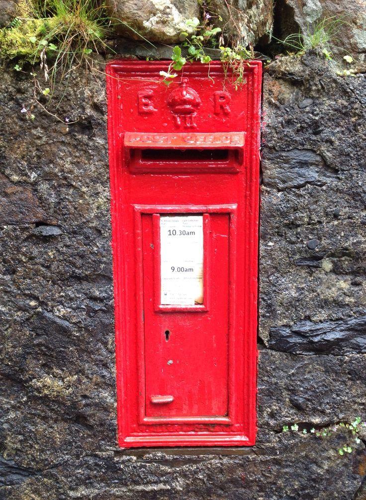 Only a few Edward VII Post a Boxs, near Pont Aberglaslyn Gwynedd. Cymru UK 27/7/15 SH 59430 46226