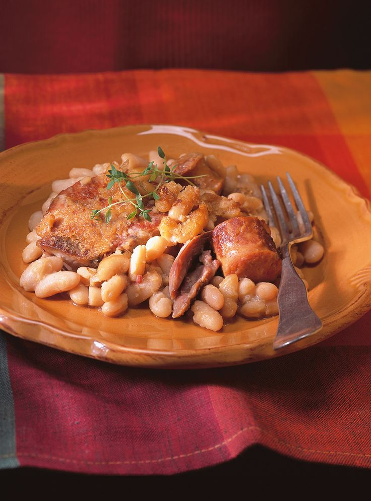 recette de cassoulet avec des haricots blancs du c leri du lard mi sal des saucisses de. Black Bedroom Furniture Sets. Home Design Ideas