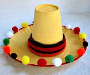 Project ideas for making Mexican, or Cinco de Mayo crafts. 50+ fiesta craft ideas for kids and for adults.Craft ideas including piñatas, huge flowers, maracas and wreaths, using crepe paper, yarn, cla