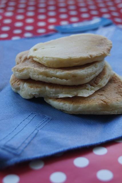 Vanilla yoghurt pancakes