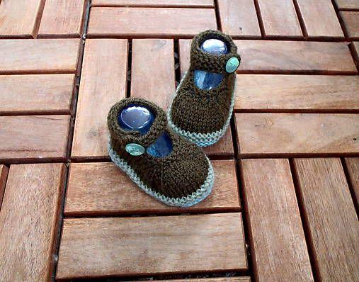 campanula / Papučkové sandálky s gombíkmi