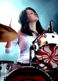 Meg White | 22 Kick### Lady Drummers Who Are The Definition Of Cool