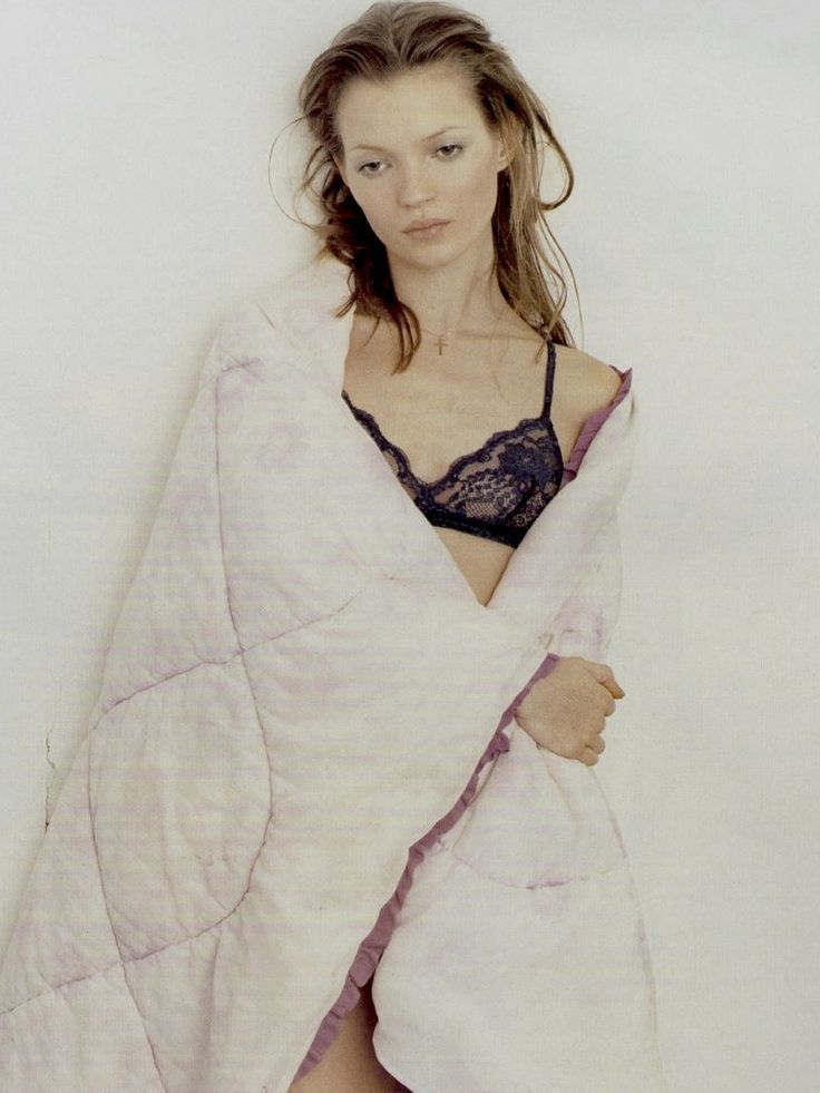 These Stunning Snapshots Of A 16-Year-Old Kate Moss Are On