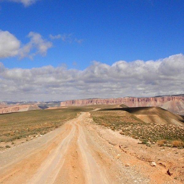 Blog podróżniczy o autostopowych wyprawach przez morza i kontynenty. Znajdziesz tu ciekawostki o kulturze, krajach, ich mieszkańcach oraz porady na temat podróżowania.