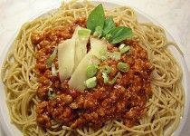 Celozrnné špagety se sojovou omáčkou