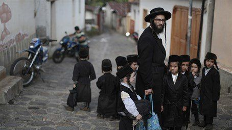 International Rescue Committee to save the Jewish families of the Lev Tahor community
