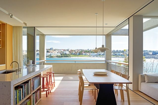 Slide-away glazed walls in the main kitchen and dining room allow an abundance of ventilation. @VitrocsaAustralia #VitrocsaSliding