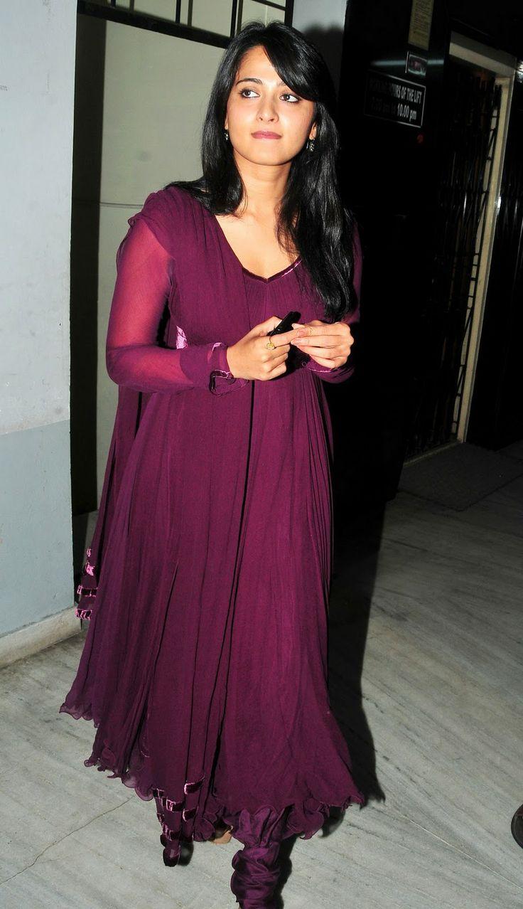 Anushka Shetty | Veethi