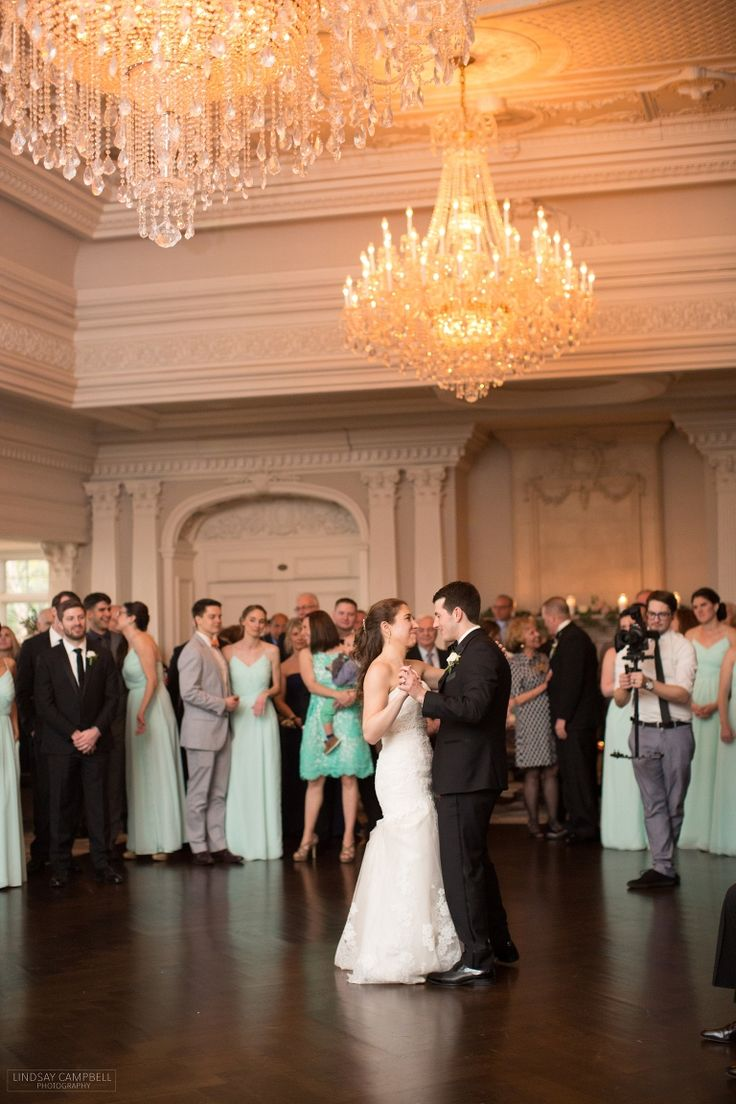 low budget wedding new jersey%0A Danielle   Ray u    s Elegant New Jersey Wedding at The Park Savoy