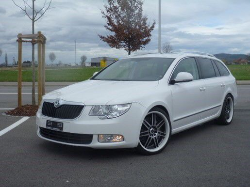My Skoda Superb Estate/Combi 3.6 V6 AWD DSG Suisse dealer Embrach Edition. Lovely car.